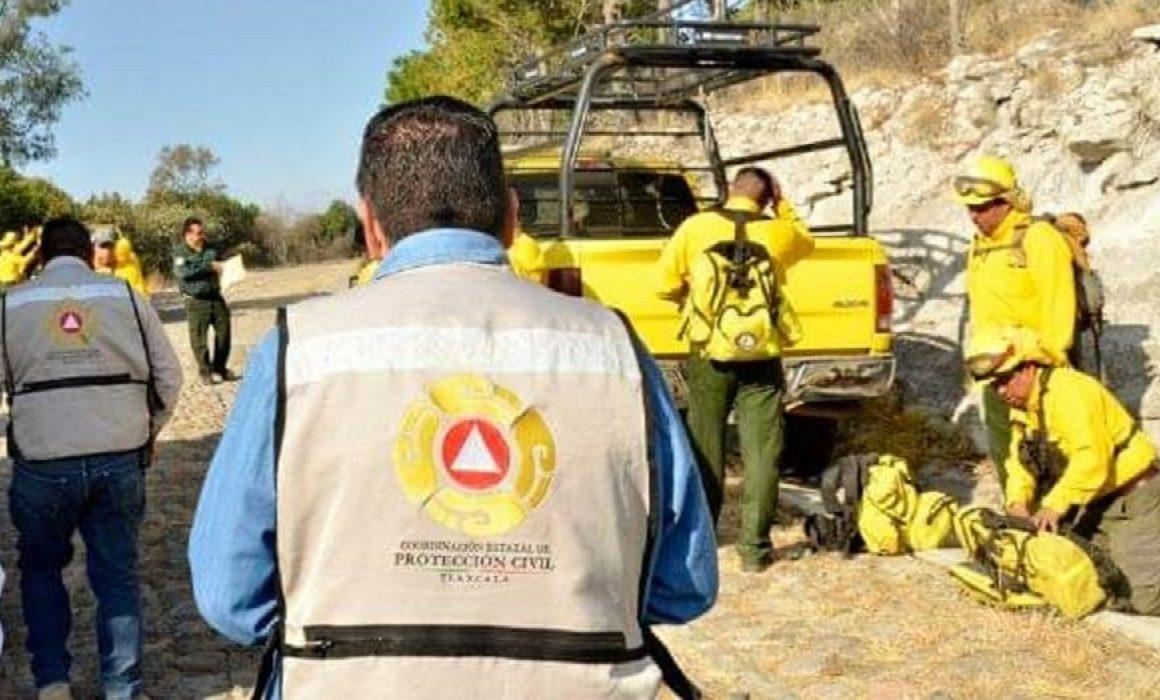 COMBATEN DEPENDENCIAS ESTATALES INCENDIO EN LA MALINCHE