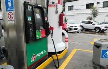 Turistas roban gasolina y dañan máquina despachadora en Acapulco 13:30 ACAPULCO, Gro., 17 de noviembre - Quadratín Tlaxcala