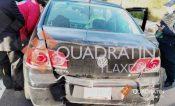 Chocan por alcance patrulla de la CES y vehículo particular, en Apizaco